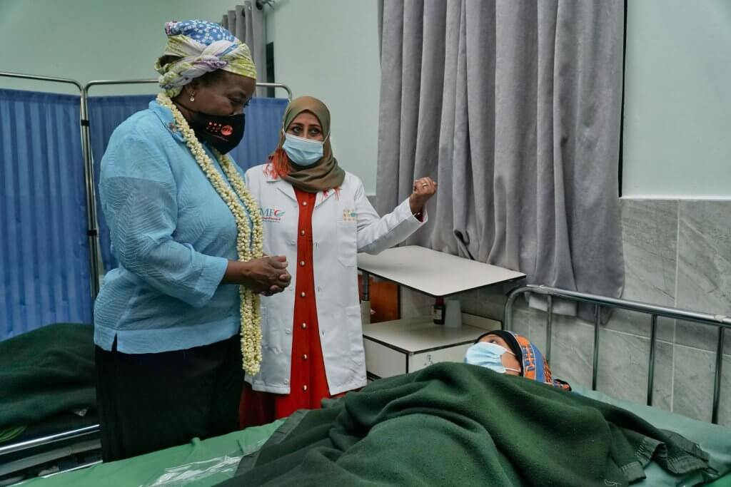 Dr. Kanem with midwife Shrook and a new mom.